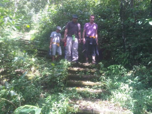 bali jungle trekking