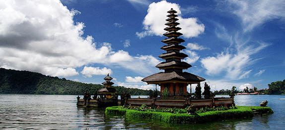 BALI ADVENTURE TOURS/Beratan lake