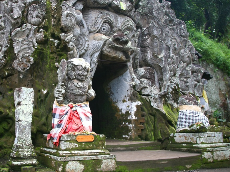 VISIT GUA GAJAH TEMPLE AFTER BATUR TREKKING
