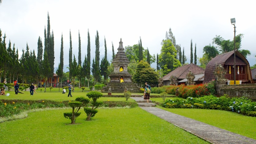 Visiting ulun danu temple after done tamblingan jungle trekking