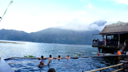 mt-batur-trekking-and-nature-hotel-spring-tour-experiences