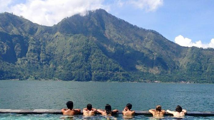 Mount Batur trek and Nature hot spring Kintamani tour