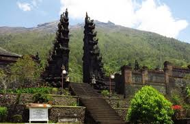 Climbing mount agung from Pasar agung temple
