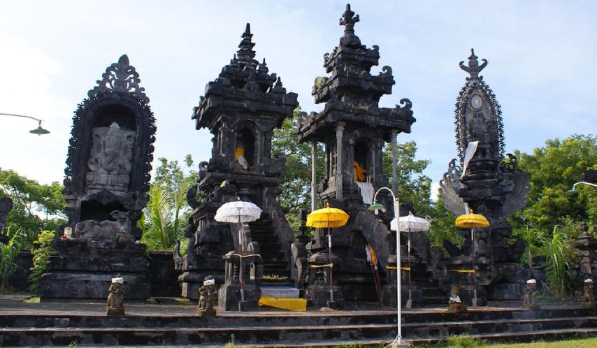 ponjok-batu-temple-bali