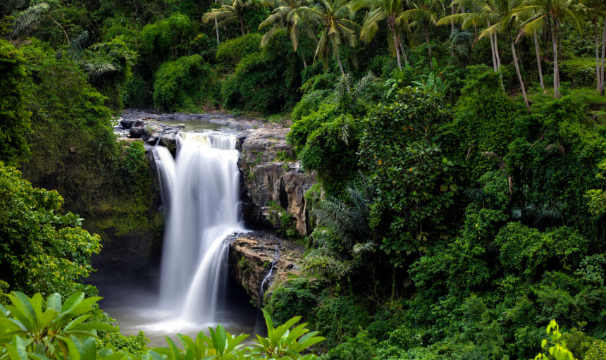 tegenungan-waterfalls