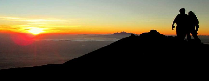 mount-agung-volcano-sunrise-trekking