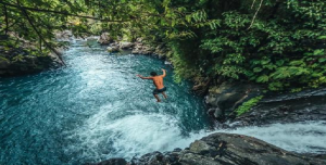 sambangan-waterfall-jumping