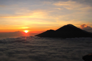 sunrise-from-the-top-of-mount-batur-bali-jungle-hiking-tour-package