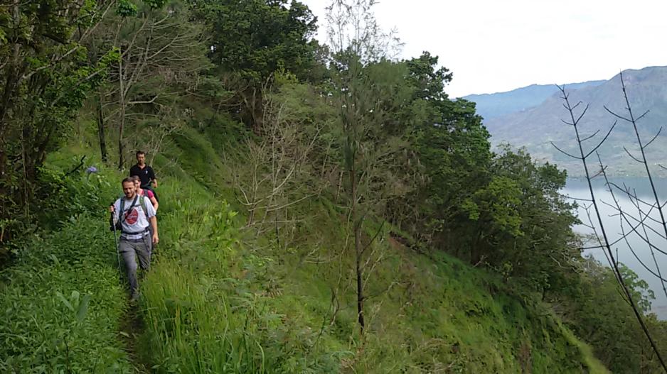mount-abang-sunrise-trekking-review