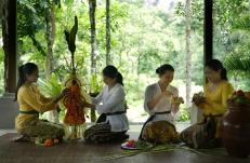 guest-activities-at-royal-pitamaha-ubud-bali-jungle-trekking-tour-and-guide