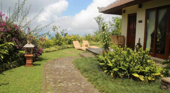 private-villa-with-large-garden-area-munduk-moding-coffe-plantation-bali-travel-experiences